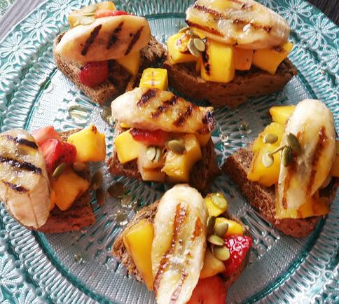 Grilled-Fruit-Bruschetta
